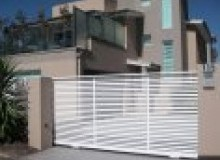 Kwikfynd Decorative Automatic Gates abercrombie